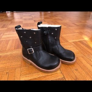 Real leather girls boots made in Portugal